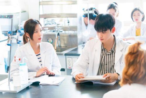 Foto Im Soo-hyang dan Cha Eun-woo 3