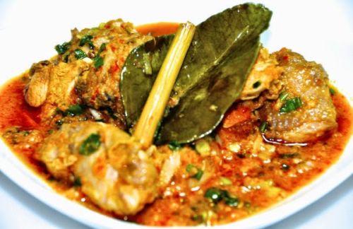 Kuliner Khas Manado Ayam Woku-woku