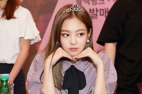 Foto Idol Tercantik Korea Jennie Kim BLACKPINK